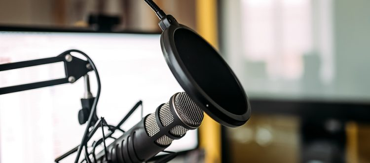 20-Best-Health-and-Wellness-Podcasts-and-Blogs-for-2020-Header-750x330