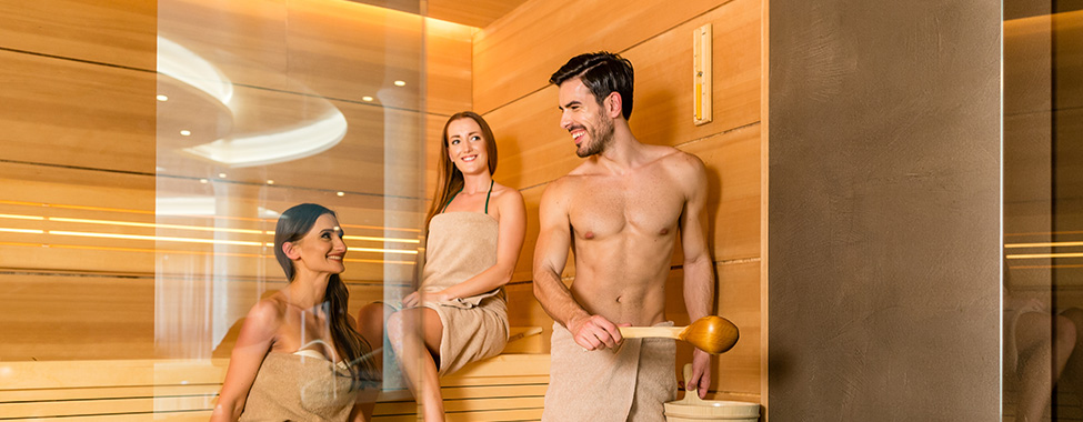 People-Sharing-Co-Ed-Sauna-in-Gym